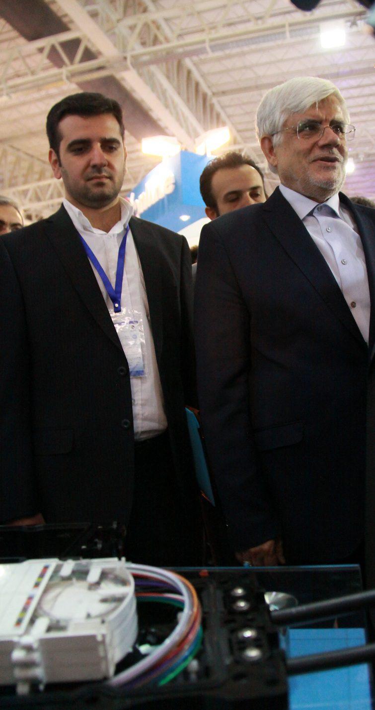 بازدید جناب آقای دکتر عارف عضو محترم مجمع تشخیص مصلحت نظام از غرفه صناب